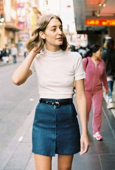 Mini Skirts As A Fashion Statement. Among all type of females dresses, skirts manage to get the most variety of compliments. Look Fashion, 90s Fashion, Fashion Outfits, Womens Fashion, Fashion Stores, Style Outfits, Summer Outfits, Mode Style, Style Me