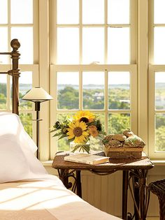 Ana Rosa....would love that view out the front and the ocean out the back!  Someone make it so!!!