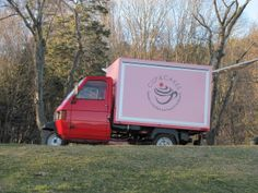 Coffee & biscuits on three wheels