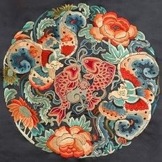 Chinese embroidery: composition and colours