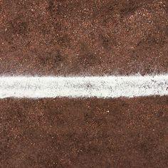 Platz markieren mit Kreide. #Aschenplatz #Hartplatzhelden #FussballMitBiss #Fußball #Fussball  #Sponsoring #prodente #trikotsponsoring #werbung #zähne #zahngesundheit #Spitzenreiter #Aufstieg #Tabellenführer #Aufstiegsrunde #Herzschlagfinale