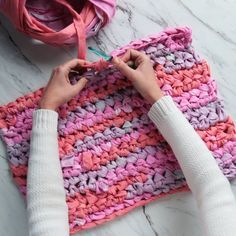 This DIY rug gives new meaning to the phrase, From rags to riches. This DIY rug gives new meaning to the phrase, Diy Crafts Rugs, Diy And Crafts Sewing, Fabric Crafts, Sewing Diy, Decor Crafts, Nature Crafts, Easy Knitting Patterns, Crochet Patterns, Arm Knitting Tutorial