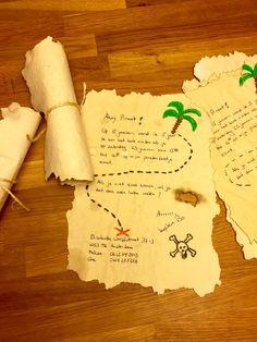 Uitnodiging: wit papier kreukelen, randjes scheuren, in koffie of thee drenken, drogen, schrijven, randjes afbranden, oprollen, touwtje eromheen... Klaar!