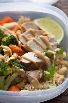 A delicious make-ahead recipe for Thai chicken lunch bowls. Make them on Sunday and you'll have 4 work lunches ready for the week!