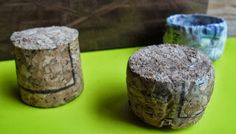 Use wine corks as molds to make paper mache flower pots..or just pots, for that matter..clever