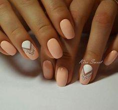 Light Peach & White Nail Polish with Triangle Geometric Nail Design - Everyday Fall Nails 2016 Gorgeous Nails, Love Nails, Fun Nails, Pretty Nails, Cute Nail Art Designs, Short Nail Designs, Indian Nail Designs, Round Nail Designs, Nagel Hacks