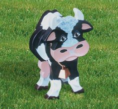 Layered Cow Woodcraft Pattern Fun & easy! Just cut & glue wood pieces together and paint. #diy #woodcraftpatterns