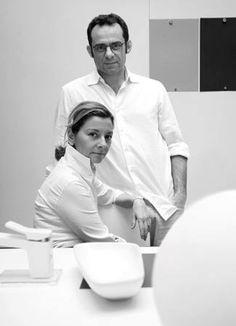 Roberto y Ludovica Palomba gozan de fama internacional por su trabajo innovador en ambientes de baño, basado en una visión integrada del mundo del diseño.