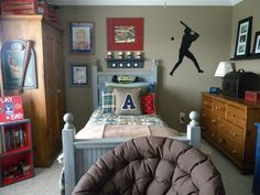 Check Out 33 Awesome Boys Room Design Ideas. It wasn't easy to gather so many of them because there are much more girls bedrooms designed by professional interior designers. Baseball Bedroom Decor, Boy Sports Bedroom, Boys Bedroom Decor, Bedroom Themes, Bedroom Ideas, Childrens Bedroom, Baseball Furniture, Boy Decor, Bedroom Décor
