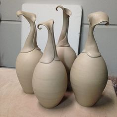 Gorgeous vases - if anyone knows the artist, please leave it in the comments!