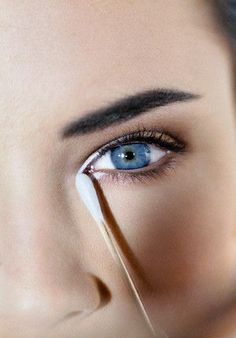 White Eyeliner Is All the Rage: Here's How to Wear It (VIDEO)
