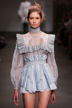 Zimmermann at New York Fashion Week Spring 2016 - Zimmermann at New York Spring 2016 Source by braindancing - Spring Fashion Outfits, Fashion Week, Look Fashion, Trendy Fashion, High Fashion, Fashion Show, Fashion Design, Fashion Trends, Fashion Hacks