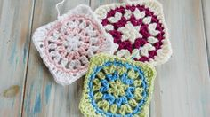 This week I show you how to crochet my Starburst Granny Square. A fun and bright granny square which can be either used as a square or kept as a circle for a...