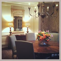 love the Pierre Frey wallpaper.by Candler Lloyd Interiors Pierre Frey, Beautiful Dining Rooms, Chandelier, Ceiling Lights, Lighting, Wallpaper, Interiors, Amazing, Home Decor