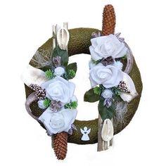 Kegyeleti koszorú fehér rózsákkal Christmas Ornaments, Holiday Decor, Home Decor, Decoration Home, Room Decor, Christmas Jewelry, Christmas Baubles, Christmas Decorations, Interior Decorating