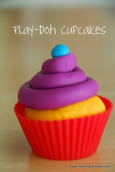 Make your own cupcakes for a colorful Play-Doh birthday party! Play Doh Party, Play Doh Fun, Play Dough, First Birthday Cakes, 3rd Birthday Parties, Birthday Ideas, 4th Birthday, Play Doh Toys, Rainy Day Crafts