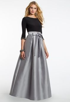 18 Trendy Wedding Guest Dresses With Sleeves Classy Black Tie Wedding Guest Dress, Black Tie Wedding Guests, Dress Wedding, Trendy Wedding, Wedding Outfits, Trendy Dresses, Modest Dresses, Nice Dresses, Dresses With Sleeves