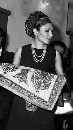 Farah Pahlavi http://www.pinterest.com/monifrieda/the-last-persian-emperor-and-his-family/