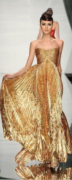 Rami Al Ali ~ gold fashion dress Abed Mahfouz, Gold Fashion, High Fashion, Womens Fashion, London Fashion, Luxury Fashion, Beautiful Gowns, Beautiful Outfits, Gorgeous Dress