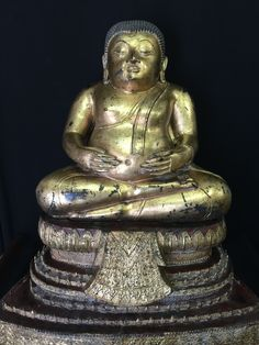Large Happy Buddha in bronze. Thailand. 19/20th cent.