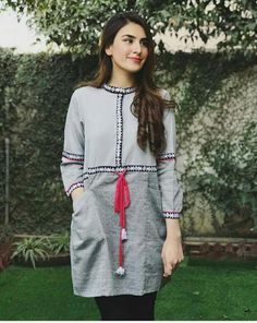 New Embroidery Jacket Kurti Ideas Fancy Dress Design, Stylish Dress Designs, Designs For Dresses, Stylish Dresses, Stylish Outfits, Casual Dresses, Fashion Dresses, Girl Fashion, Pakistani Fashion Casual