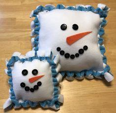 No-Sew Snowman Pillow | Fun Family Crafts