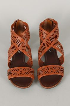 Breckelle Covina-02 Cut Out Criss Cross Open Toe Flat Sandal $22.70