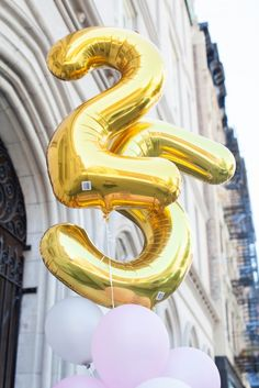 Say happy birthday with these large gold balloons! They are great as gifts, centerpieces, focal points, and backdrops! Happy 25th Birthday, 25th Birthday Parties, Golden Birthday, Birthday Wishlist, Birthday Bash, It's Your Birthday, Birthday Celebration, Girl Birthday, Birthday Cards