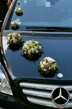 Indian Wedding Car Decoration Ideas that are Fun and Trendy Wedding Car Decorations, Flower Decorations, Wedding Getaway Car, Wedding Day, Wedding Blog, Rustic Wedding Alter, Bridal Car, Wedding Transportation, Wedding Trends