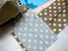 Red Pepper Quilts: Binding Tutorial - good photo for joining the final part of binding on diagonal