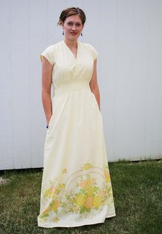 Running With Scissors: Yellow Maxi Dress from Vintage Sheet  LOVE IT  #supportingmyheard/;;.;./