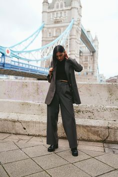 How to style an oversized pant suit Checked Suit, Comparing Yourself To Others, Professional Look, Platform Boots, Ribbed Sweater, Personal Style, That Look, Normcore, Suits