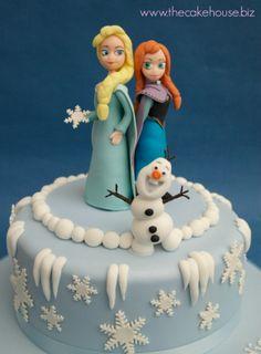 Frozen Birthday Cake Frozen Birthday Theme, Frozen Theme, Birthday Ideas, Cupcake Icing Decorating, Gelato Cake, Frozen Party Games, Disney Frozen Cake, Cupcake Cakes, Cupcake Ideas