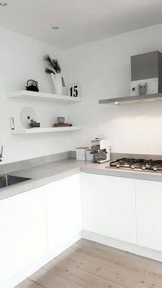 Color Ideas For Kitchen Walls is utterly important for your home. Whether you pick the Kitchen Color Ideas For Walls or Rever Pewter Benjamin Moore, you will make the best Kitchen Shelf Decor Ideas for your own life. Kitchen Shelf Decor, Kitchen Dinning, Ikea Kitchen, Kitchen Furniture, Kitchen Interior, Kitchen Walls, Küchen Design, House Design, Interior Design
