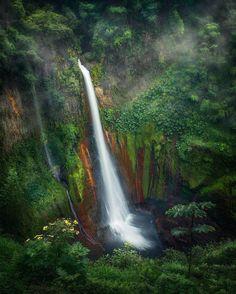 Bajos Del Toro Amarillo, Costa Rica by sergio_vindas