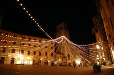 Christmas in Italy | Christmas in San Gimignano – Italy | Street & Landscape