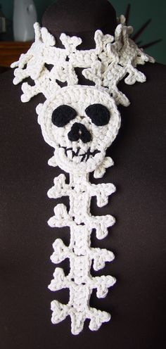 Crochet Skull and Spine Scarf by meekssandygirl.deviantart.com on @deviantART