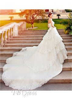 Glamorous A-Line Floor-Length Sweetheart Cathedral Train Wedding Dress http://www.tbdress.com/product/Glamorous-A-Line-Floor-Length-Sweetheart-Cathedral-Train-Wedding-Dress-10458806.html