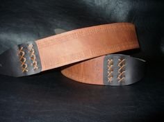 Handmade clear brown leather guitar strap. Hand carved. Floreal pattern.