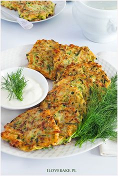 Placuszki z cukinii - I Love Bake Veg Recipes, Cooking Recipes, Healthy Recipes, Zucchini Fritters, Tasty Dishes, Tandoori Chicken, Kids Meals, Food Porn, Food And Drink
