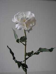 24 wei e rosen 68cm seidenblumen kunstblumen rose. Black Bedroom Furniture Sets. Home Design Ideas