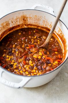 Black Bean Chili, Black Beans, Vegetarian Chili, Vegetarian Recipes, Weight Watchers Meals, Soups And Stews, Food To Make, Spices, Stuffed Peppers
