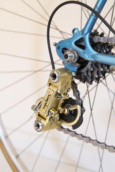 Mercier service des courses Mafac Gold, Simplex Gold, Stronglight Competition, Selle Idéale. Vintage Bike Mercier, Service, Courses, Bicycle, Colours, Nice, Vehicles, Vintage, Frames
