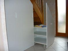 Placard Sous Escalier, Rouge   Sous Sol Amenagement   Pinterest   Stair  Storage, Vestibule And Organizations