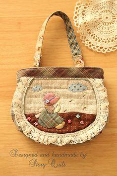 Handmade and hand applique sunbonnet sue vintage pouch | por STORY QUILT