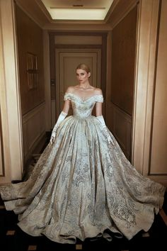 Lebanese Designer Sadek Majed Couture Bridal 2018 Collection – Perfete You will find different rumors about the annals of the … Dream Wedding Dresses, Bridal Dresses, Wedding Gowns, Lace Wedding, Ball Dresses, Prom Dresses, Dress Prom, Robes Disney, Cinderella Dresses