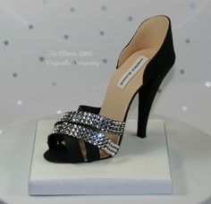 Sugar and Swarovski Crystal Stiletto Shoe - Cake by The Clever Little Cupcake Company Shoe Box Cake, Bag Cake, Shoe Cakes, Purse Cakes, High Heel Cakes, Crystal Shoes, Fashion Cakes, Stiletto Shoes, Gum Paste