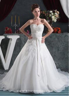 Elegant Organza Sweetheart Neckline A-line Wedding Dresses With Lace Appliques - Adasbridal.com