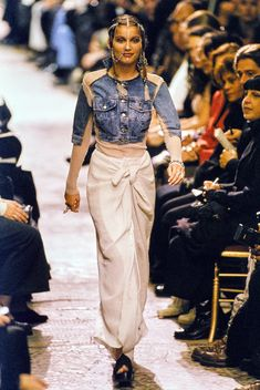 Jean Paul Gaultier Spring 1994 Ready-to-Wear Fashion Show - Laetitia Casta
