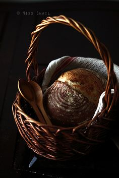 ♂ Food photography styling still life Basket of bread Pain de Campagne 法式乡村面包